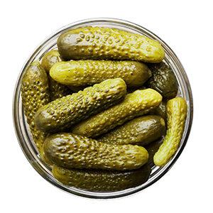 pepinillo-en-vinagre-pesca-salada-aceitunas